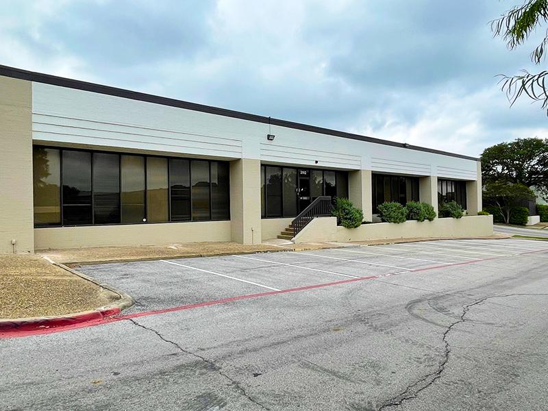 Property: Las Colinas Tech Center - Building B